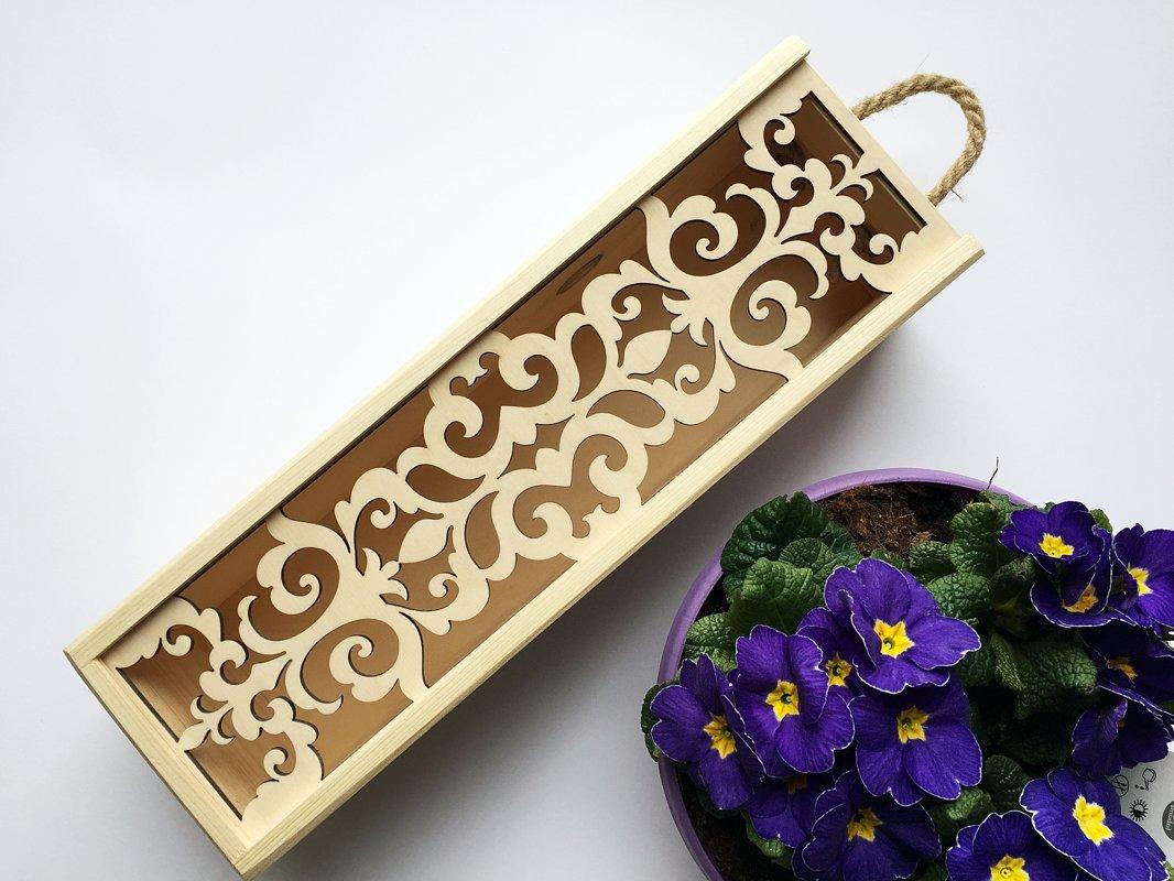 Gatava Vīna kaste ar ornamentu